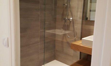 Installation de douche à l'italienne Saint-Laurent-du-Pont